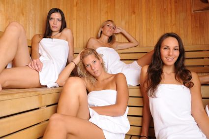4 Women in the Sauna