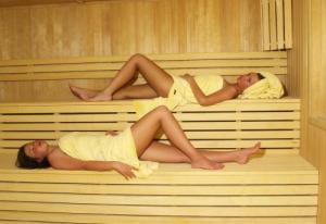 Naked Sauna